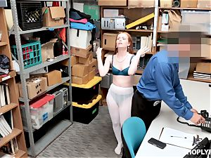 Ella Hughes humped pouch deep by kinky mall cop