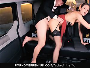 poked IN TRAFFIC - Footjob and car fuck-a-thon with Tina Kay