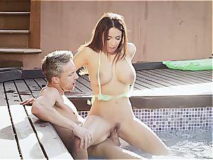 buxom wonder babe Anissa rails a weenie by the pool