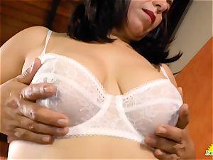 USAwives Mature vagina toying closeup footage