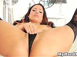 kinky Latina Luna star pussyfucked