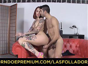 LAS FOLLADORAS - Silvia Ruby takes random dude for hookup