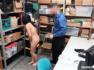 Ella Knox gets caught shoplifting and pays her debt with her throat and poon