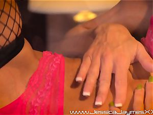 Jessica Jaymes toe tears up Austin Taylor