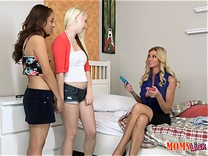 Stepmom Ceira Roberts trains these gals Darcie Belle and Nicki Ortega how to elation each other right