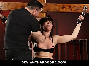 DeviantHardcore-Hot cougar fumbled and handcuffed To Cross