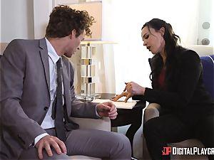 Dana DeArmond puss plumbed in the office