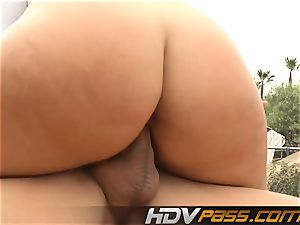 platinum-blonde babe Phoenix Marie with ginormous breasts public poke