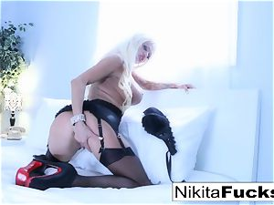 spectacular tease with super hot russian cougar Nikita Von James