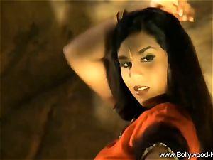 Exotic Arabian milf Dancer