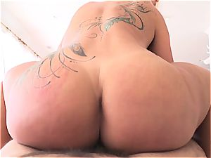 thick donk cougar pounded stiff