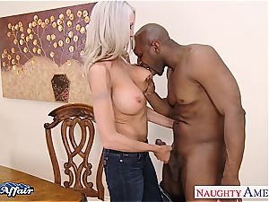 blonde bombshell Emma Starr horny for the meatpipe next door