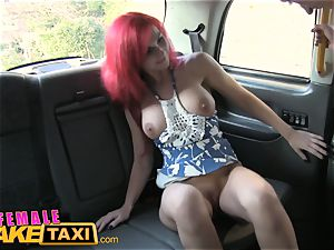 nymph fake cab sandy-haired Fingerfucked by Cabbie