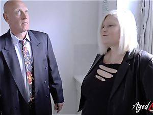 AgedLovE Mature girl Lacey Starr sucking hard chisel