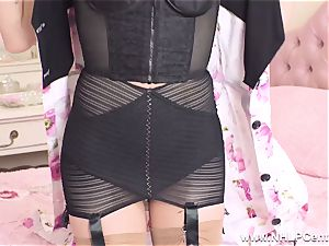 blondie finger smashes cock-squeezing gash in retro girdle nylons