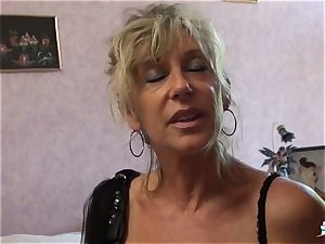 LA COCHONNE - promiscuous French mature gets roughed up plumb
