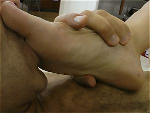 Rocco Siffredi cock plunging a pretty black-haired