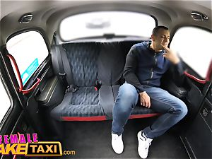 woman fake taxi Tourist creampies and gets a raw twat