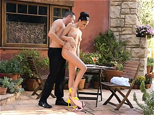 Ariana Marie strokes a waiters pink cigar in the supreme outdoors