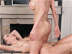 Alexis Fawx makes Natalia Starr cum from Thai massage