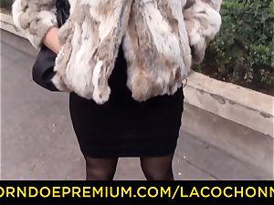 LA COCHONNE - French brunette babe loves gonzo ass-fuck