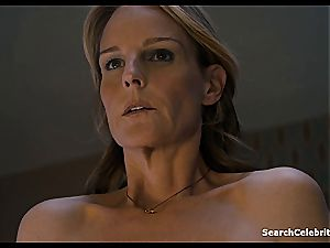 Heavenly Helen Hunt has a shaven slit for viewing
