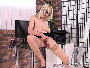 sensational Sabina fucktoys her pliable vag until she urinates
