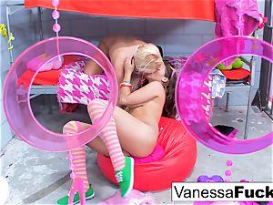 chesty Natasha adorable nails Vanessa cage